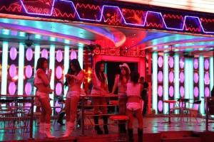 bar-girls-soi-cowboy